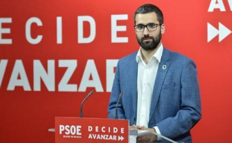 """Lucas: """"Queremos saber si la propuesta de Bernabé y del PP es dejar morir a las personas en el mar"""""""