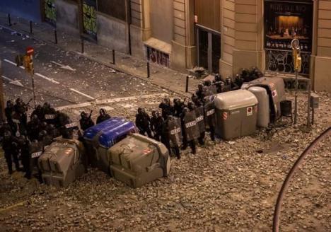 Los sindicatos policiales quieren que la Fiscalía acuse de terrorismo a los radicales detenidos en Barcelona
