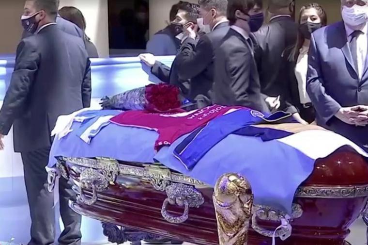 Sigue la investigación policial por la muerte de Maradona