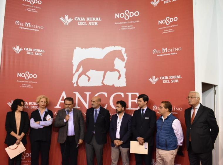 Una comitiva encabezada por el Concejal de Ganadería de Lorca se desplaza hasta Sevilla para presentar FERICAB 2020