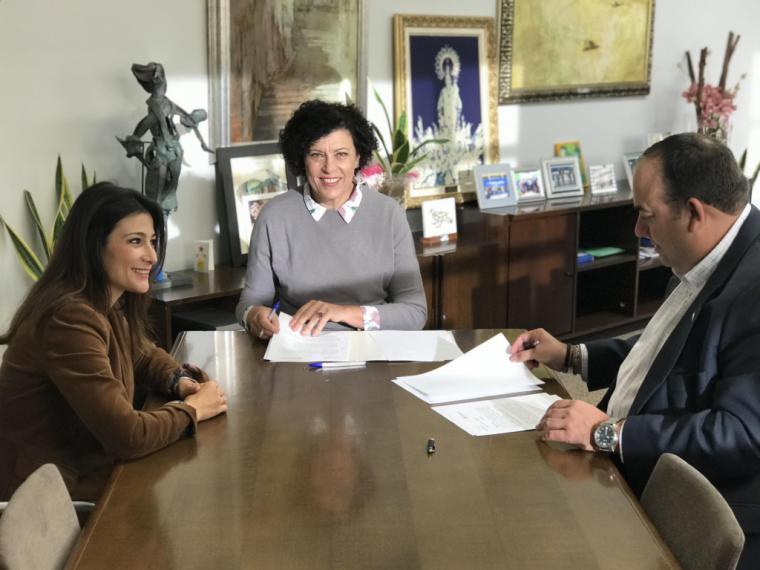 Ayuntamiento y Cámara de Comercio firman un convenio para impulsar la dinamización del tejido empresarial del municipio