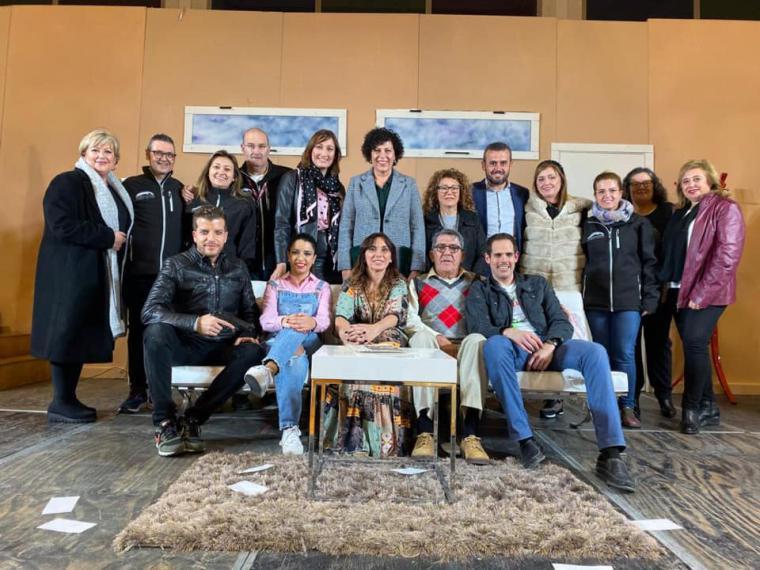 """Más de 300 espectadores disfrutan de la comedia """"Fuga"""", a beneficio de la Asociación Española contra el Cáncer"""