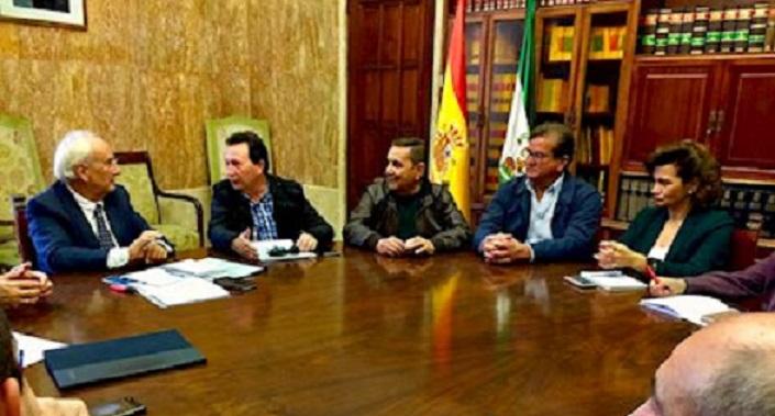 La Mesa del Agua de Almería plantea proyectos a corto plazo en una reunión mantenida con la Consejera Carmen Crespo