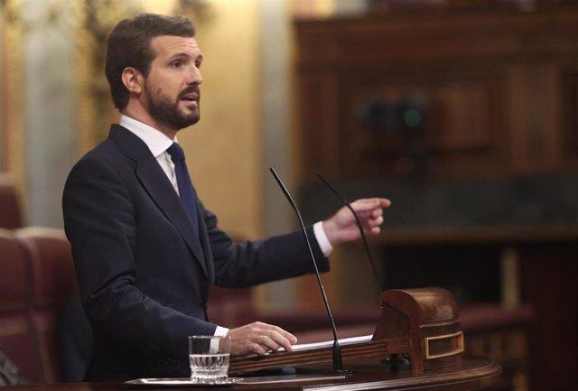 EL INCOLORO: 'Casado centra al PP y refuerza a Sánchez', por Jerónimo Martínez