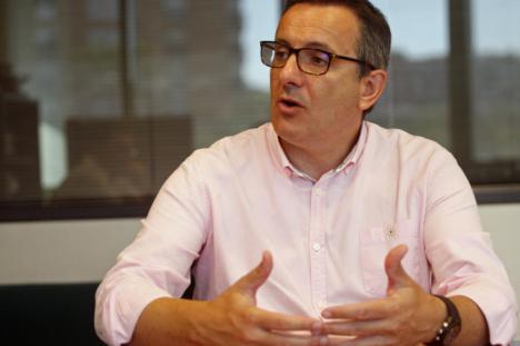 """Diego Conesa: """"No queremos el martillo del caso Bárcenas rompiendo ordenadores del SMS con los datos de las vacunas"""""""
