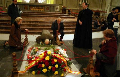 El abad del Valle de los Caídos no permitirá la exhumación del dictador