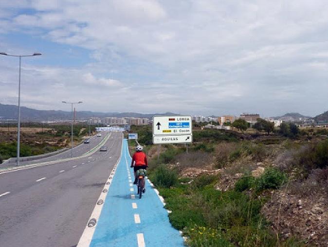 El Partido Popular propone buscar financiación para conectar el carril bici de la carretera de Águilas con el barrio de San Fernando y el Parador de los Seguras
