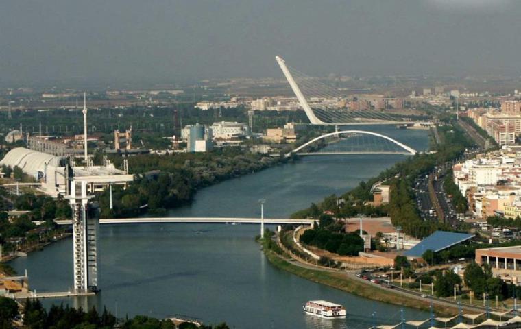 Rescatan en el Guadalquivir el cadáver de un jóven de 14 años