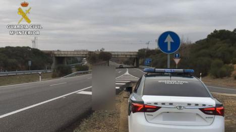 Fue conduciendo 13 kilómetros en sentido contrario.