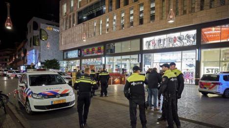 Tres menores de edad apuñalados en La Haya