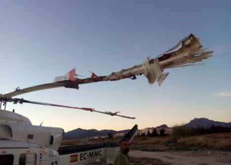 Herido el piloto de un ultraligero al chocar contra un helicóptero que volvía de sofocar un incendio