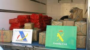 El capitan de la comandancia de la Guardia Civil, Luis del Pino denuncia amenazas de muerte por haber liderado una operación antidroga.