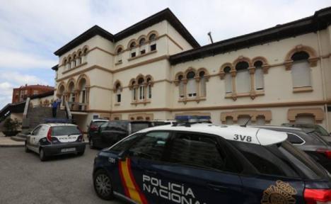 Un hombre se suicida tras dispararse en la capilla del Hospital de Avilés