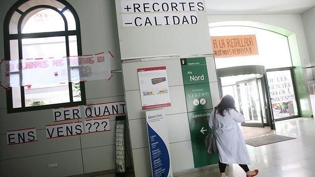 Editorial: La situación es de casi 42.000 contagiados, 2.937 fallecidos y 3.794 dados de alta, el gobierno desbordado por la herencia sanitaria recibida y el PP echando más leña al fuego