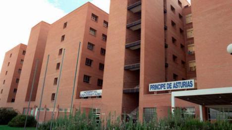Una auxiliar de enfermeria entra en prisión acusada de asesinar a una mujer de 86 años inyectándole aire en las venas.