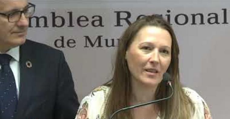 Lourdes Retuerto asegura que la expulsión de los concejales de Cartagena no se debe al pacto con el PP, sino al incumplimiento de las normas