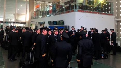 Huelgas en aeropuertos y estaciones de ferrocarril para Semana Santa