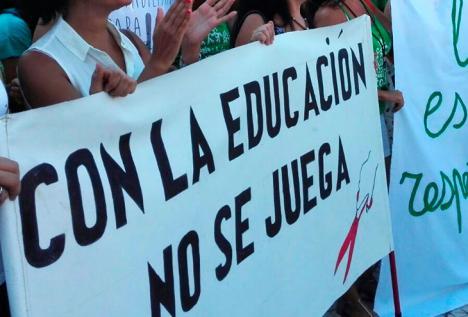 Los sindicatos presentan su plan de acción en la huelga de la enseñanza pública contra el Decreto de Escolarización