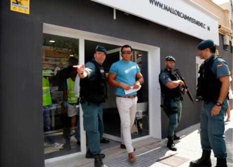 Detenida en Ibiza a una pareja dedicada a las estafas inmobiliarias
