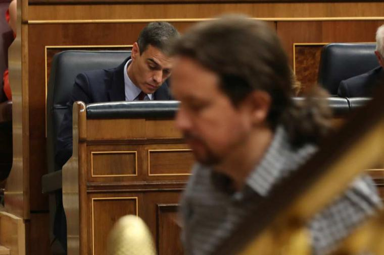 'Negociar o chantajear', artículo de opinión de Gabriel Cabrera