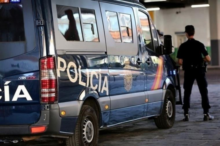 Detenido un hombre por estrangular a su pareja en Orihuela