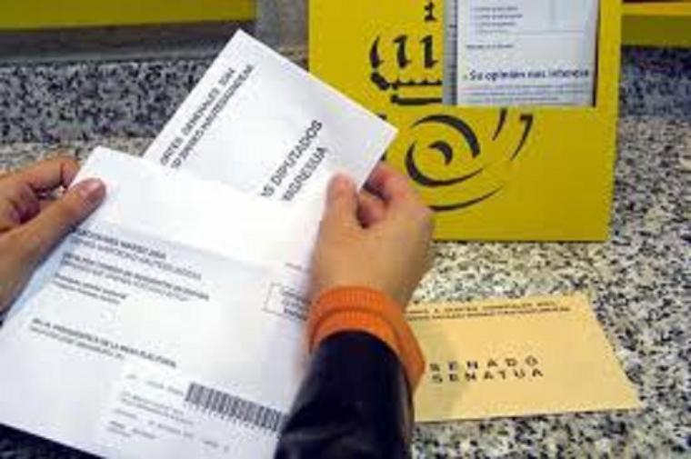 'No he podido meter en el sobre la papeleta del PSOE, cuando me puse a buscarla, no estaba'