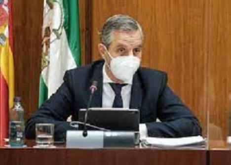 La socialista Noelia Ruiz acusa al Consejero Juan Bravo de ser el máximo responsable del 'amaño'
