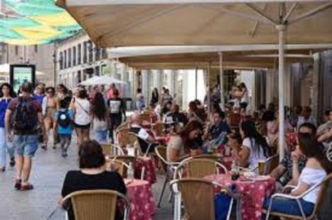 Las terrazas de los establecimientos hosteleros crecerán durante esta Navidad gracias a la apuesta que el Ayuntamiento de Lorca hace por un ocio responsable