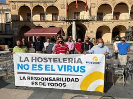 El Ayuntamiento informa de que hasta el 1 de febrero los comerciantes y hosteleros afectados por la crisis sanitaria podrán solicitar la bonificación del 75 por ciento en el IBI