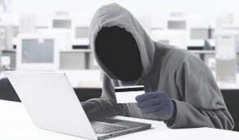 La Policía Local de Lorca alerta del aumento de las estafas y los fraudes online y recuerda la necesidad de extremar las precauciones al acceder a Internet