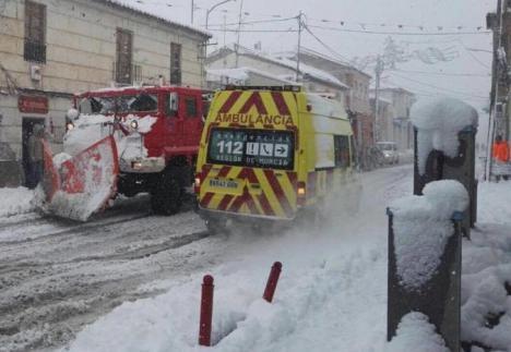 El Servicio de Emergencias y Protección Civil de Lorca tiene preparado el protocolo frente a nevadas y olas de frío a la espera de la evolución de la situación meteorológica prevista para el martes