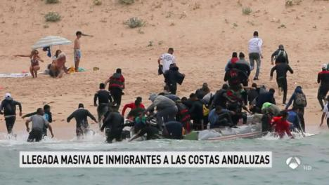 Medio millar de inmigrantes llegan a la costa andaluza en el fin de semana