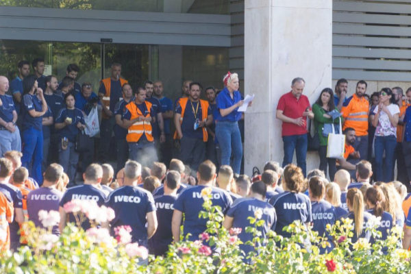 La muerte de Verónica obliga al comité de empresa de Iveco a pedir que se depuren responsabilidades