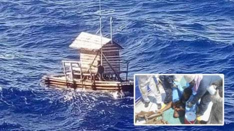 """El joven que sobrevivió 49 días mar adentro en una """"cabaña de pesca"""""""