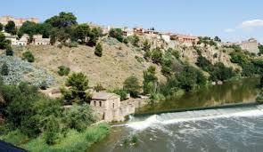 Aparece el cadáver de un hombre en el rio Jucar.