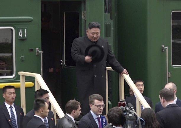 El líder supremo de Corea del Norte, Kim Jong-un, llega a Vladivostok para reunirse con el presidente ruso Vladímir Putin.