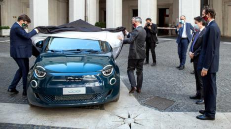 El Gobierno espera subvencionar al menos 238.000 vehículos y puntos de carga con fondos europeos