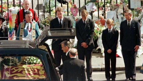 La muerte de Lady Di de nuevo en cuestión. Dos nuevos testigos ponen en duda la versión oficial del accidente
