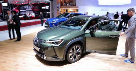 Lexus celebra en Salón de Ginebra los 30 años de la marca y la llegada del UX
