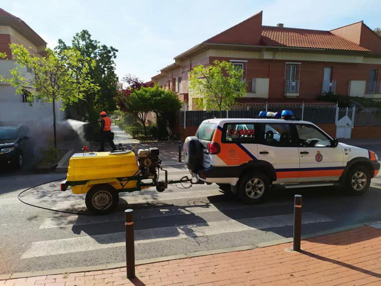 El Ayuntamiento de Lorca intensifica las labores de limpieza y desinfección de los espacios públicos por lo que podrán pasear los menores a partir de este próximo domingo