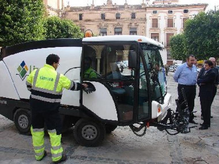 El alcalde de Lorca y presidente de Limusa pide colaboración y respeto al resto de partidos para encontrar la mejor solución para la empresa municipal de limpieza