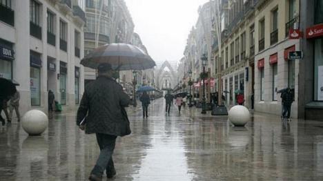 La lluvia ha llegado a Málaga que ha estado en alerta naranja y con riesgo de inundaciones