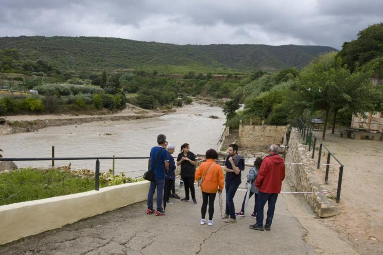 Sigue la busqueda del hombre arrastrado por el torrente en las riadas de Dolores, Alicante