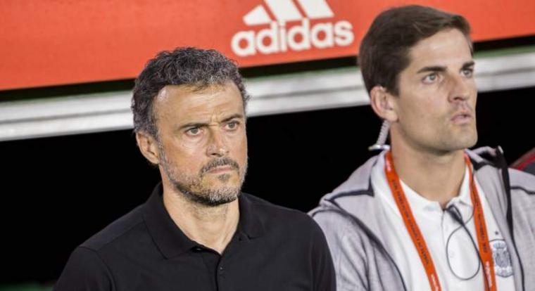 Luis Enrique anuncia que deja la selección y le sustituye Robert Moreno