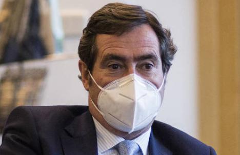 El Gobierno de Sánchez logra un acuerdo con los empresarios para prorrogar los ERTE