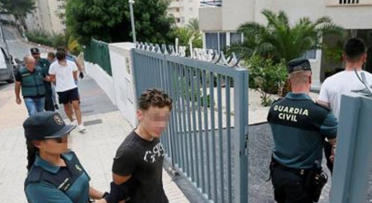 Tres de los cinco detenidos por abusar sexualmente de dos mujeres en Benidorm entran en prisión