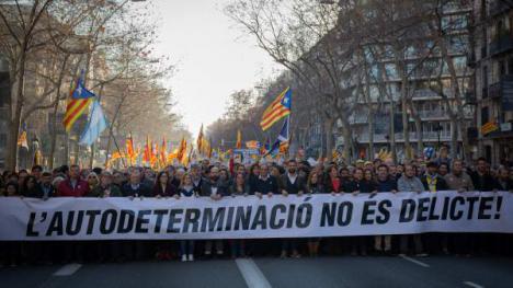 Organizaciones sociales y partidos políticos protestan contra el juicio del 'procés' en Madrid