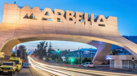 Una persona herida,llega a la comisaría de Marbella y dice que ha sido secuestrado y torturado