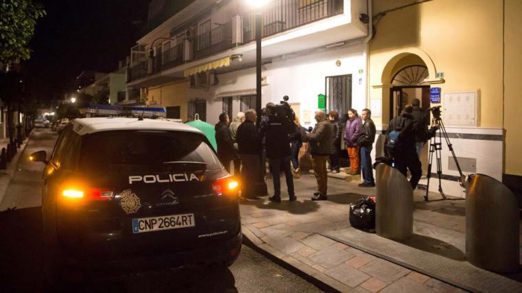 Detenido tras apuñalar a su madre en Marbella e intentar suicidarse