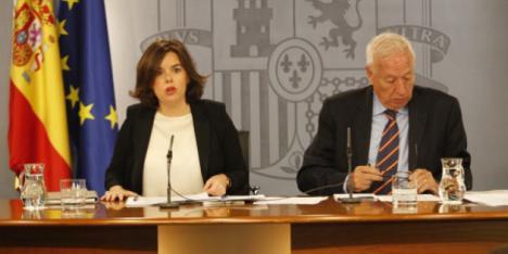 García-Margallo se enfrenta a cara de perro con Saenz de Santamaría